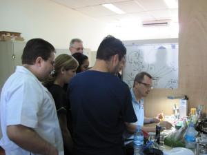 Marc-Fabien Blaise unterrichtet Studenten an der Universität León