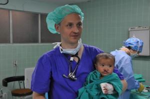 Dr. Axel Gils mit Patient