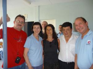 v.l.n.r: Dr. Gustavo Herdócia, Valerie Kühl, Dr. Ulrike Wohlleben, Dr. Roberto Ordoñez, Prof. Dr. Robert Sader. Im Hintergrund Dr. Axel Gils (links) und Dr. Andreas Lampart